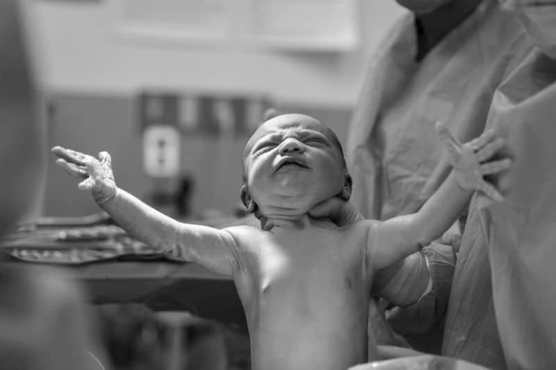 Bébé arrive, combien son assurance va-t-elle me coûter ?